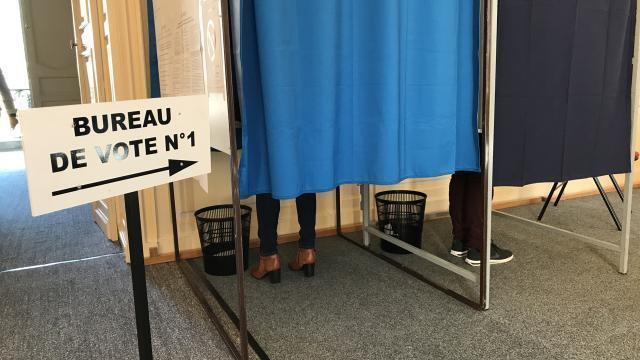 À saint pierre on fusionne communesu et bureaux de vote