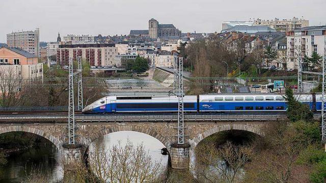 Nantes Quimper rennes. panne électrique : des trains pour paris déroutés par nantes