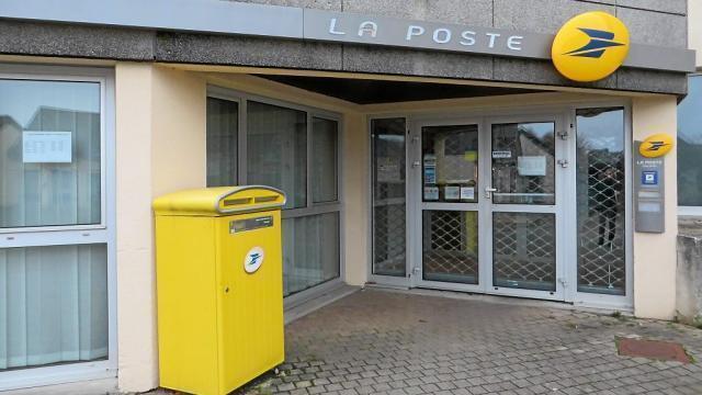 Ergué gabéric le bureau de poste ferme un point relais ouvre