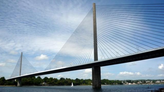 Brest La Vitesse Reduite A 70 Km H Sur Le Pont De L Iroise