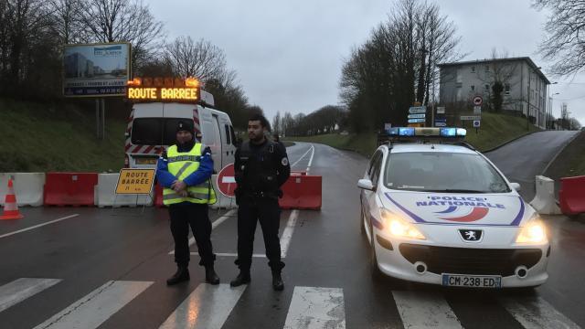 Désamorçage d une bombe près de Caen   le périmètre de sécurité est en  place - Tours.maville.com 8affd84e10e2
