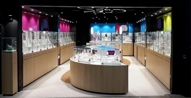 riche et magnifique Acheter Authentic pas mal Vannes. Bracelets, bagues, montres, colliers… la bijouterie ...