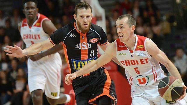 À BallGrâce Basket Le MsbSport RousselleCholet Renverse Ygfyb76