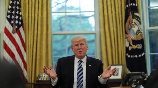 Donald trump reçoit le bras droit de kim jong un dans le bureau