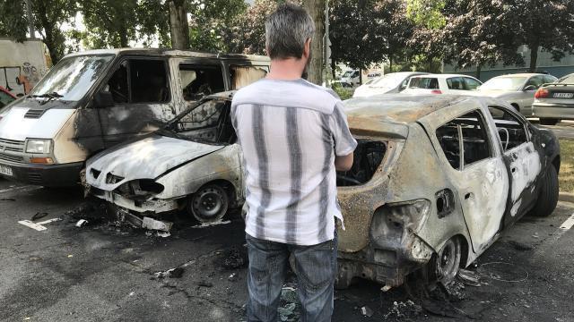 jeune tué à nantes. une dizaine de voitures brûlées à port-boyer