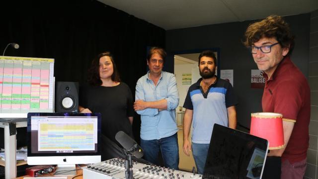 Lorient radio balises un b b d un an qui marche for Piscine lorient