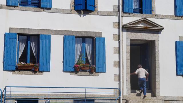 concarneau vivre en ville close les derniers des. Black Bedroom Furniture Sets. Home Design Ideas
