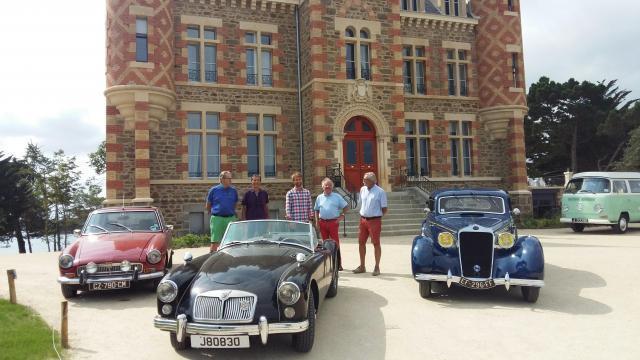 collection de voitures anciennes au nessay, à saint-briac - saint