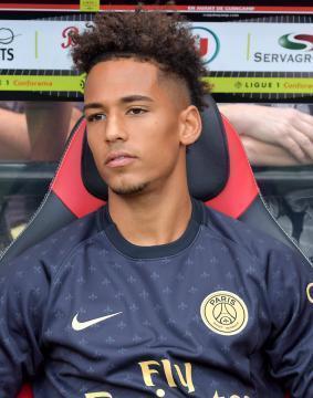 Ligue 1 Des Surprises Dans Le Onze Du Psg Face A Angers Sport