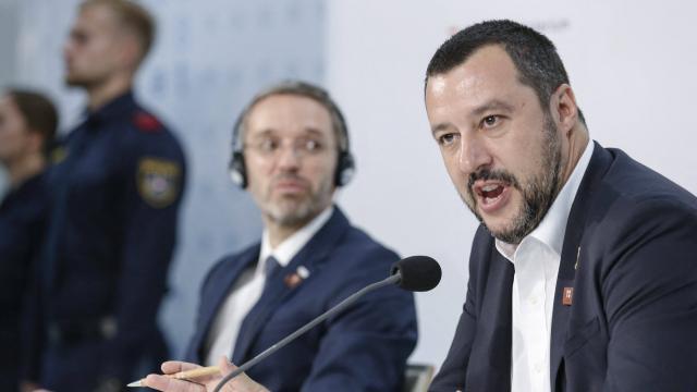 Merde Alors Un Ministre Luxembourgeois Senerve Contre Matteo Salvini Roubaix Maville Com