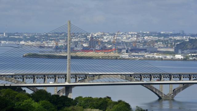 Brest Toujours Plus De Bouchons Sur Le Pont De L Iroise