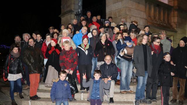 photo lancé en septembre dans toute la france, le mouvement nous voulons des coquelicots organisait un nouveau rassemblement à redon, vendredi 7décembre. © ouest-france
