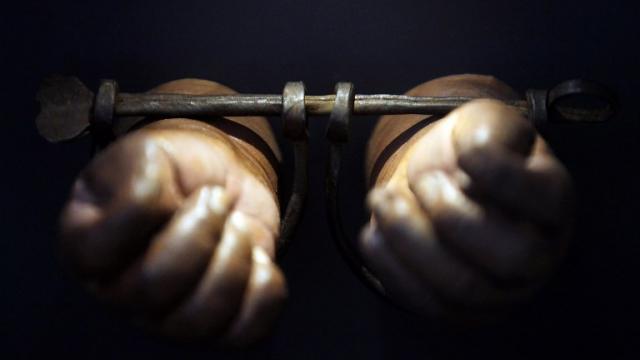 photo la traite à des fins d'exploitation sexuelle est la plus courante (59 % des victimes identifiées en 2016) et le travail forcé est la deuxième forme de traite la plus répandue (photo d'illustration). © mario tama / getty images north america / afp