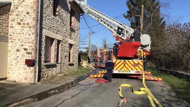photo ce vendredi, en début d'après-midi, un incendie s'est déclenché à châtillon-en-vendelais. celui-ci, rapidement maîtrisé par les pompiers, a été causé par le compteur électrique. © ouest-france
