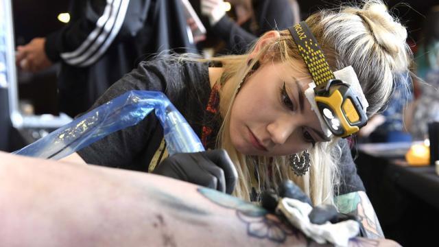 Video Le Salon Du Tatouage Attire La Foule Au Roazhon Park Brest Maville Com