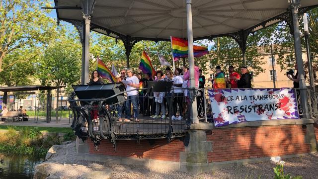rencontre gay sud ouest à La Roche-sur-Yon