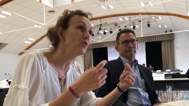 photo peggy cochat et vincent bichon, élus de la communauté d'agglomération mont-saint-michel – normandie. © ouest-france