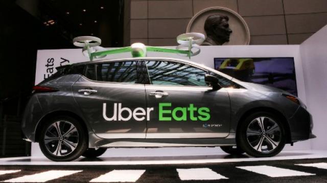 Chaud Dessous Uber Va Tester La Livraison De Repas Par Drones