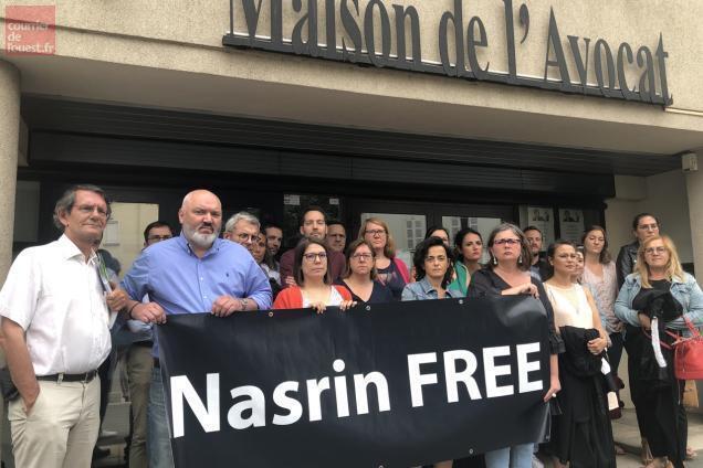 photo angers. l'étape angevine en soutien à l'avocate iranienne