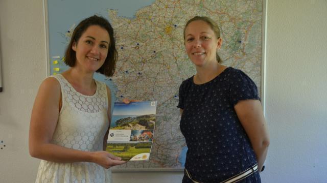photo Emilie gorska (à droite) s'inspire de ses vacances pour proposer des séjours dans toute la france. © ouest-france