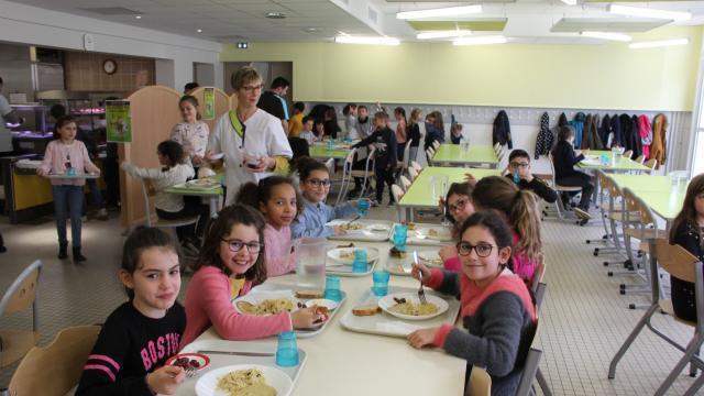 Conseil Municipal La Cuisine Centrale Fait Debat Nantes