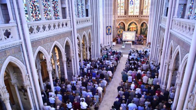 photo célébration de l'assomption à la basilique de pontmain, en mayenne.archives © thomas brégardis