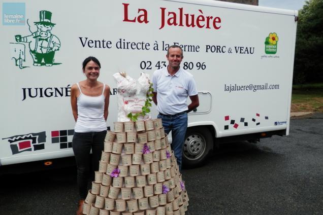 photo juigné-sur-sarthe. la famille fortin organise son marché à la ferme dimanche