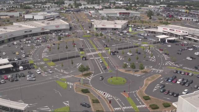 photo le centre commercial l'autre faubourg, qui s'étend sur 10000m2, a ouvert en mars2010. © archives ouest-france
