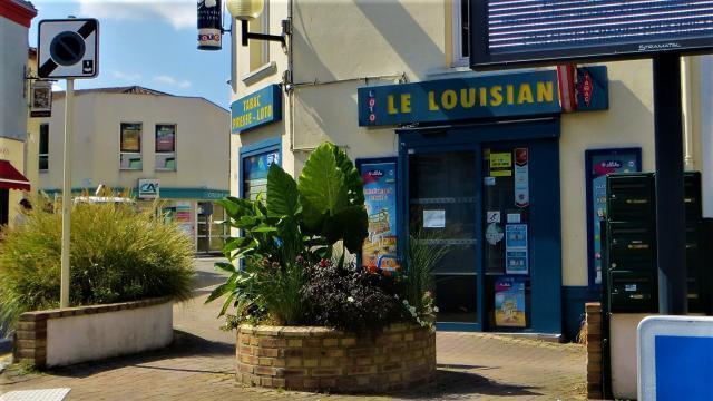 Loire Atlantique Braquage Dans Un Bureau De Tabac De Divatte Sur Loire Un Helicoptere Engage La Roche Sur Yon Maville Com