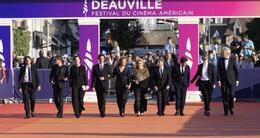 actu cinéma le jury du festival lors de son arrivée à la cérémonie de clôture.