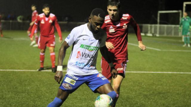 National 3. Pouzauges - Vertou : les Vertaviens ont contesté l'éclairage du stade de repli et - maville.com