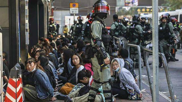 Hong Kong : le moral en berne dans le campus assiégé - maville.com