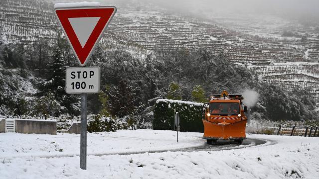 Neige. Encore 14 500 foyers privés d'électricité dans la Drôme - maville.com