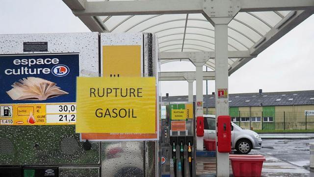 carte essence ouest france CARTE. Pénurie de carburants : votre station est elle concernée