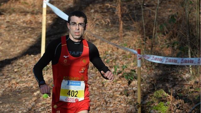 photo cross ouest france 2020 dans les bois de l' épau au mans la course trail 24 km antoine exmelin © franck dubray