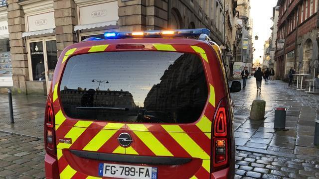 Rennes La Cheminee Menace De S Effondrer Un Immeuble Evacue
