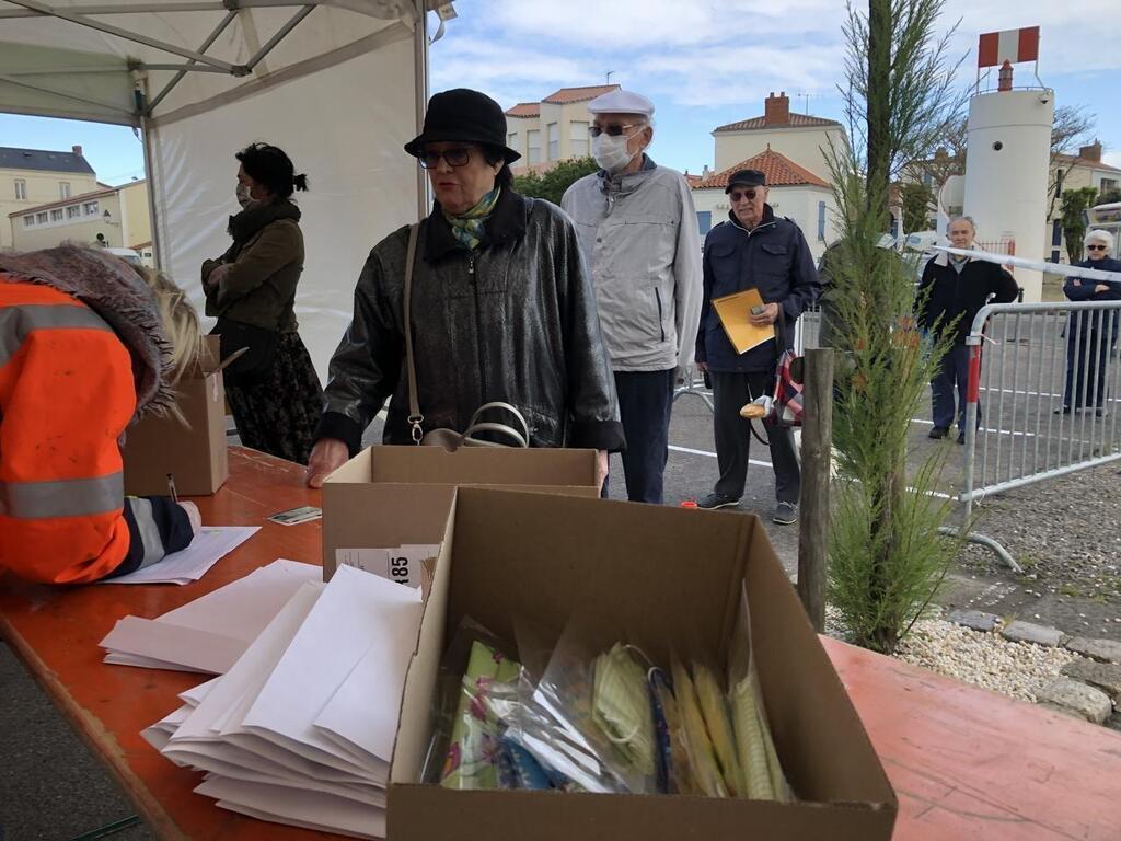 rencontre gay marseille 13002 à Les Sables-dOlonne
