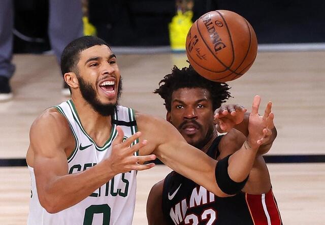 photo l'argent coule encore à flot dans le championnat de basket professionnel américain. © photo : afp