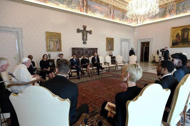 photo rencontre inédite au vatican. © afp