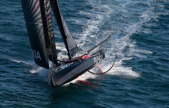 photo hugo boss, le bateau d'alex thomson. © david ademas / ouest-france