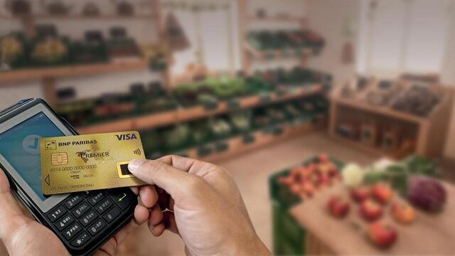 La carte bancaire biométrique apparaît sur le marché français depuis un an © BNP Paribas