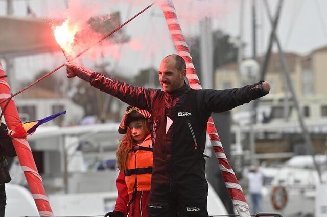 Zdjęcie Damien Seguin, zastępca szefa kuchni na Paraolimpiadzie, jest również ulubionym ambasadorem ruchu paraolimpijskiego.  © ouest-france / thomas bregardis