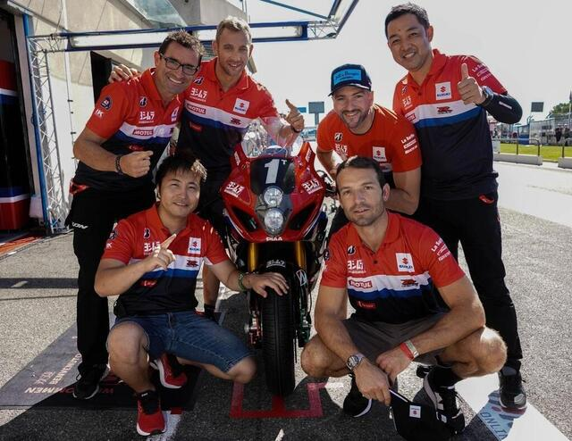 photo the team on pole this Saturday, with the four drivers from the sert, as well as damien saulnier and yohei kato.  © west-france
