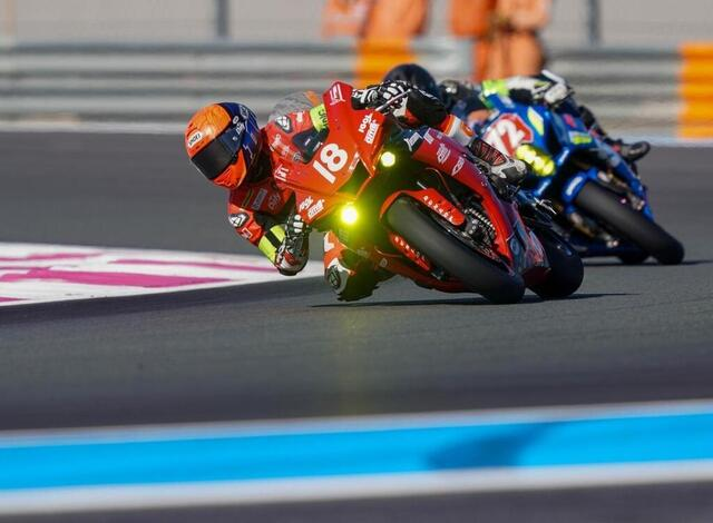 photo it is the fire engine, the Yamaha n ° 18 which is on pole this Saturday at the start.  © west-france