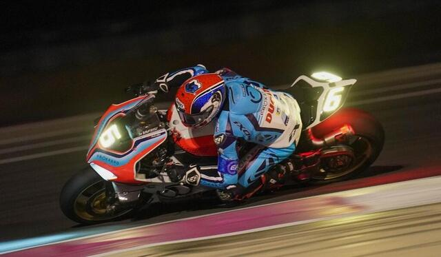 photo at night, motorcycles are sometimes more impressive!  the ducati, at 11:30 pm, held a very good third place.  © west-france