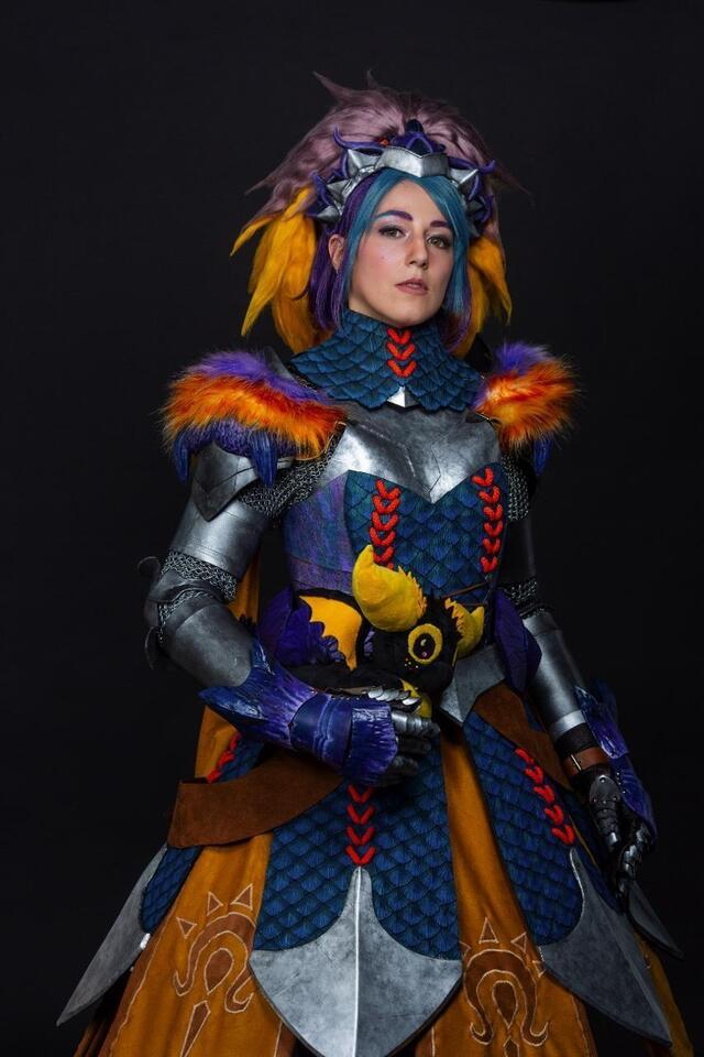 photo here, kyuti, alex of her real name, vice-champion of cosplay.  she comes from the great east and her costume is taken from the monster hunter video game.  it is a mixture of foam, fabric, and chain mail.  © dr