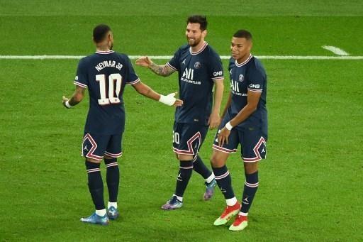 Foto En una larga entrevista con el equipo, Lionel Messi volvió a su relación con Mbappé y Neymar en el Paris Saint-Germain.  © afp