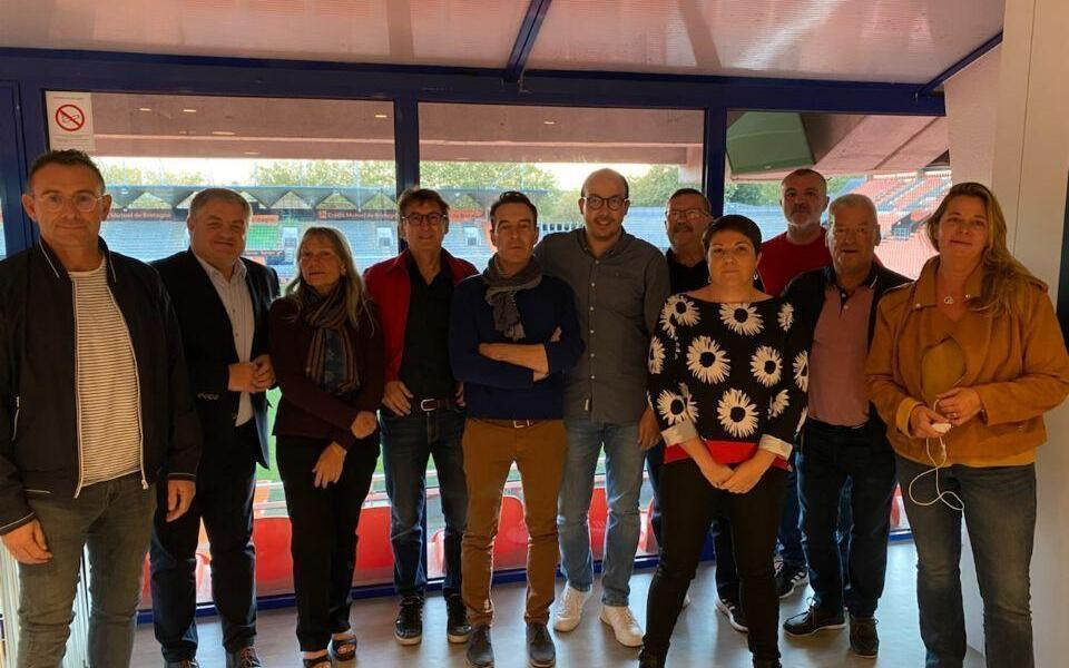 Soccer.  Auray FC and FC Lorient are companions for the following three years.  Sport