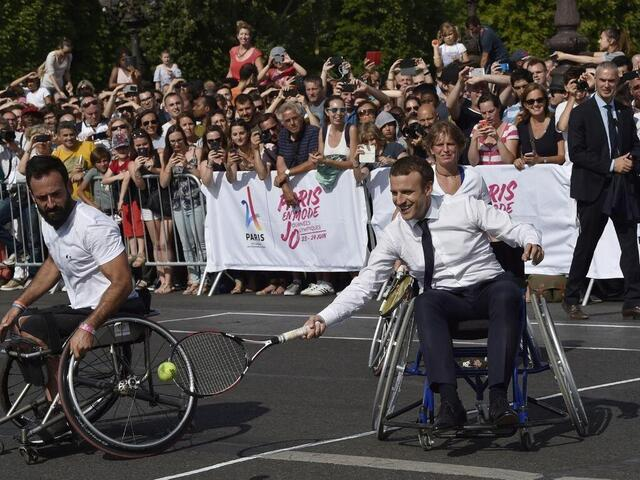 IN IMAGES, IN PHOTOS.  When the Presidents of the Republic get into sports.  Sport